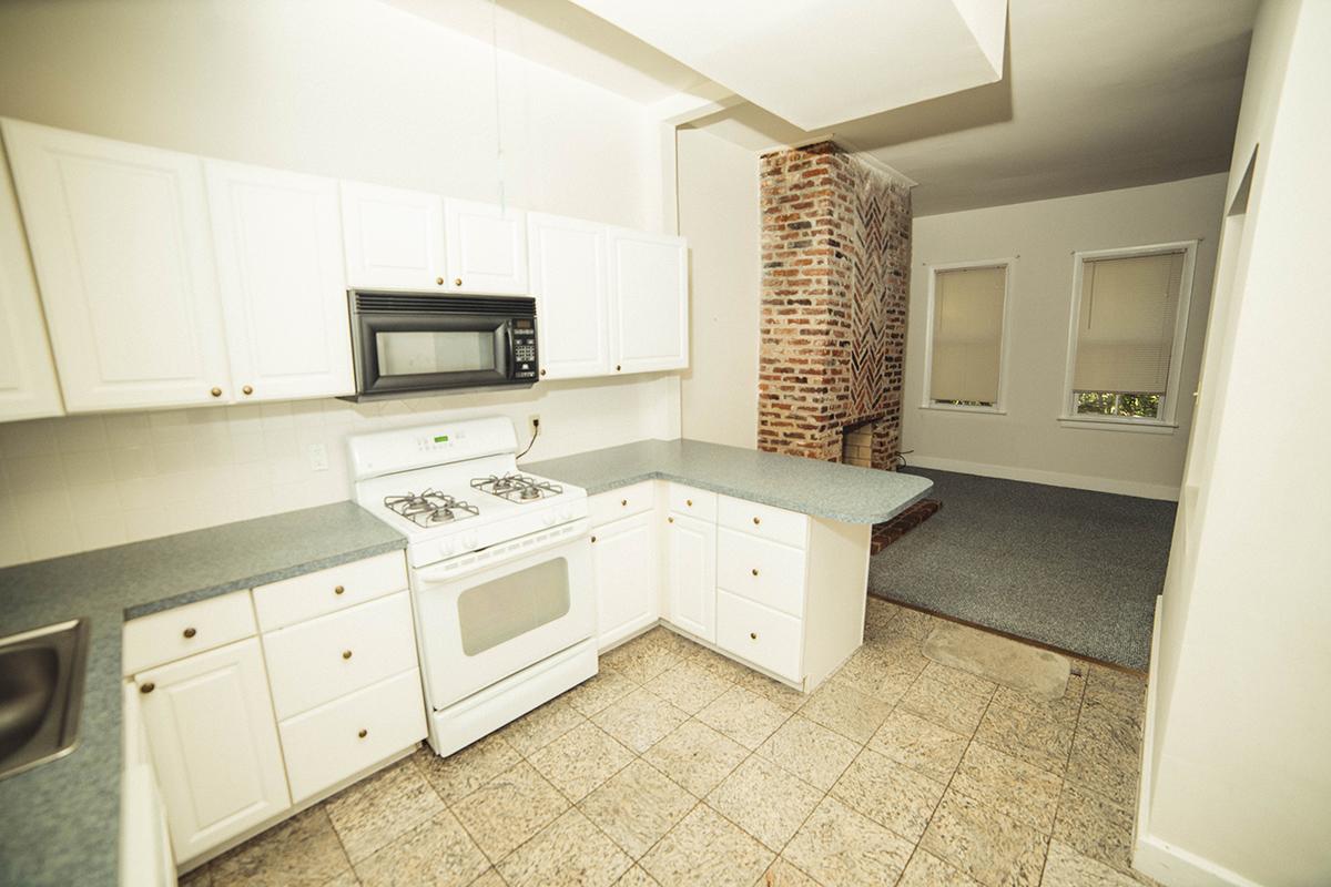 13  1115 S upper kitchen 2.JPG
