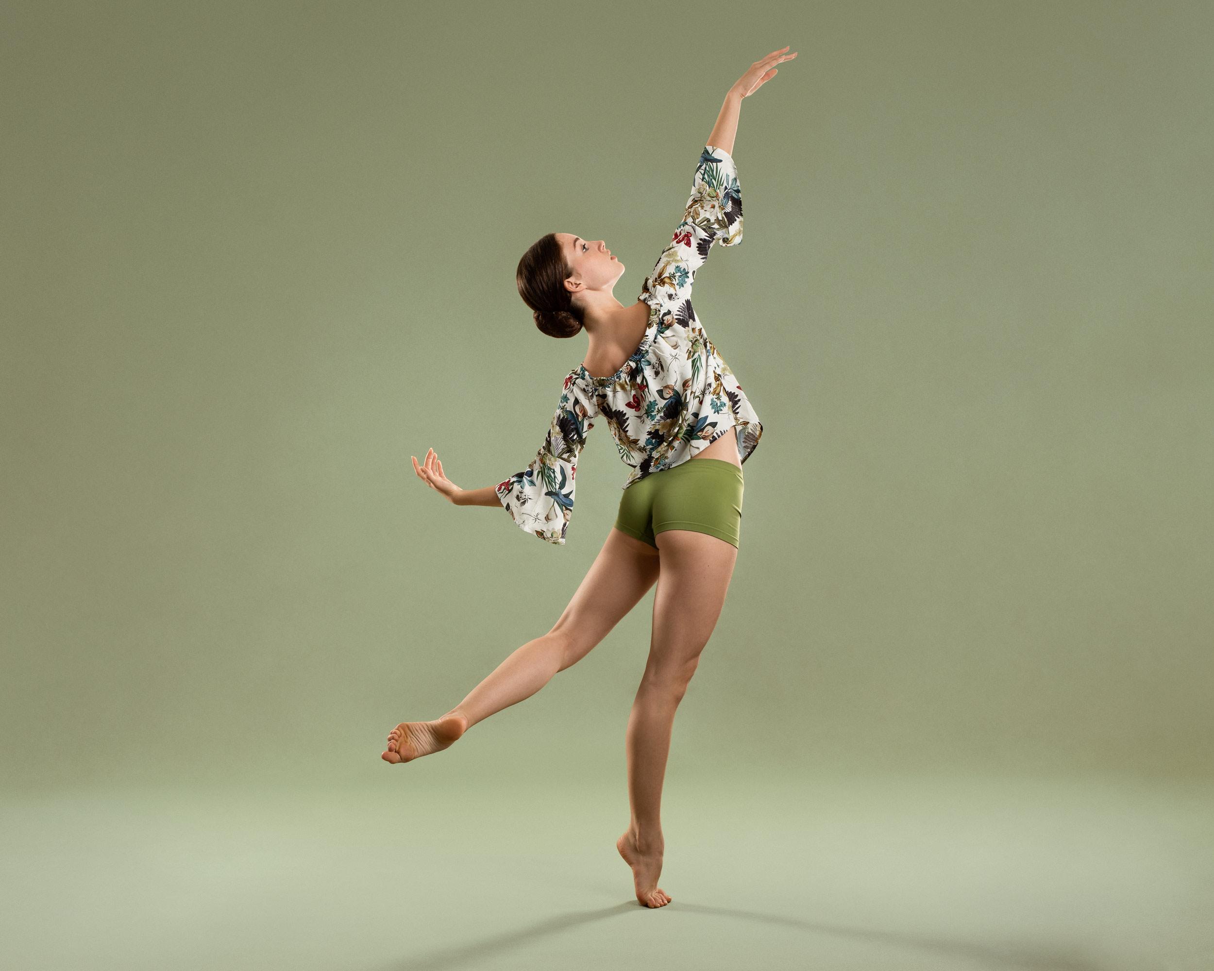 Danseres Ella-Joy Boog