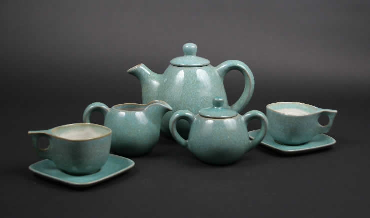 Before beginning his teaching career at Alfred University Wally Higgins worked at Glidden Pottery as a mold maker. Glidden Pottery is a unique stoneware bodied dinnerware and artware that was produced in Alfred, New York from 1940 to 1957.