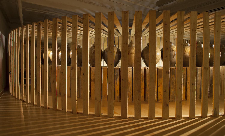 2-click-daniel-johnston-jars-exhibition-contemporary-ceramic-art-cfile.jpg