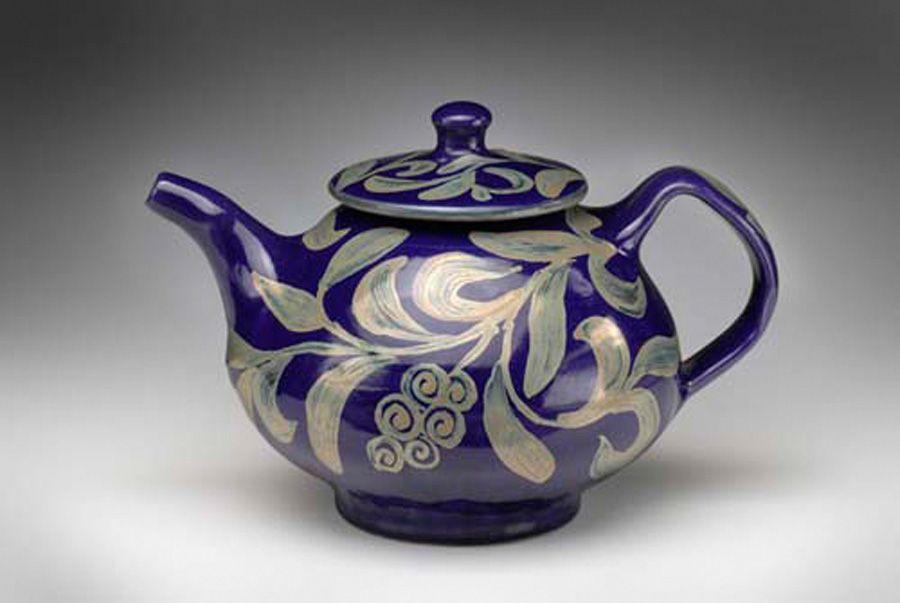 Barnim Luster teapot.jpg
