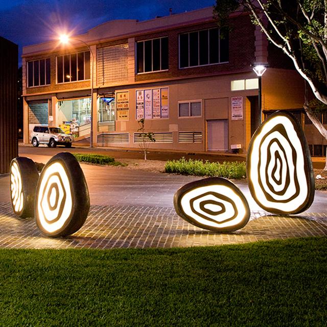 Axolotl_JaneCavanough_BankstownArts_TouchStones_Rust_CarvedGlass_Copper(9).jpg