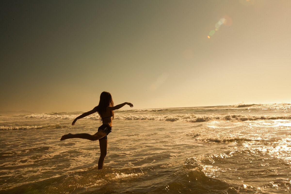 dancer-beach.jpg