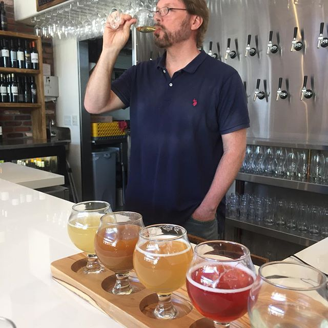 This guy doesn't follow the rules. 😛These wild fermented Farmhouse ciders aren't made from apple...but rather kiwi, Asian pear, peach, strawberry and pluot! Look for the whole story on @ciderbarslo 's many surprising offerings in next week's @newtimesslo ! 🥝 🍓 🍐 🍑 🍺 . . #flavorslo #ciderbarslo #slocreamery #fruitcider #imarebeldottie #visitslocal #sanluisobispo #visitslo #shareslo