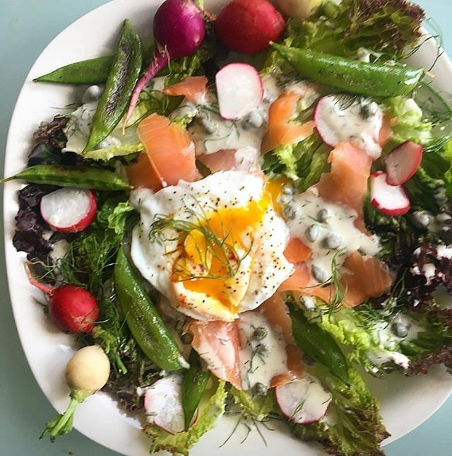 One last look at spring 👋 (this salad came largely from @slonaturalfoods and my backyard, even the 🍳) #springsalad #flavorslo #biodynamic #backyardegg #snappeas #radish