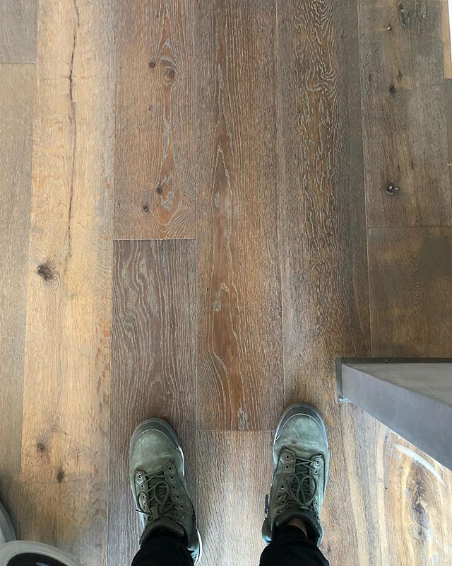 This pre finished oak was in bad shape after only 2 years since install. After some repairs and @wocaaustralia we got it looking brand new. Keep in mind that oiled finishes need maintenance! I would not recommend this product (we still aren't sure who made it, only who supplied and installed it) purely for how bad the finish has held up, and some problems with pre filled imperfections coming out. But the colour is fantastic for the location of these units. With regular maintenance they won't need to be re sanded or ripped up. 👌🏻 . . . . . . . . #timber #timberfloor #hardwood #reno #renovation #bespoke #customfloor #stain #whitewash #floorfinishing #floorsanding #floorpolishing #polishedtimber