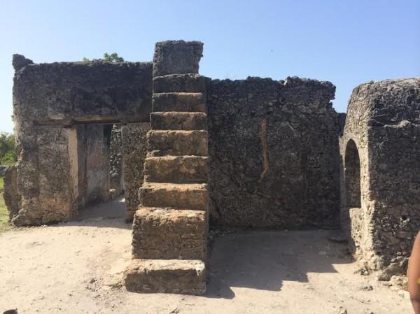 Kaole-Ruins-Mosque-600x449.jpg