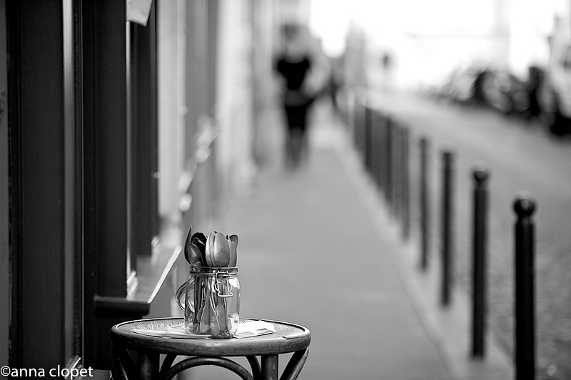 B/W#Paris#street#spoons#table