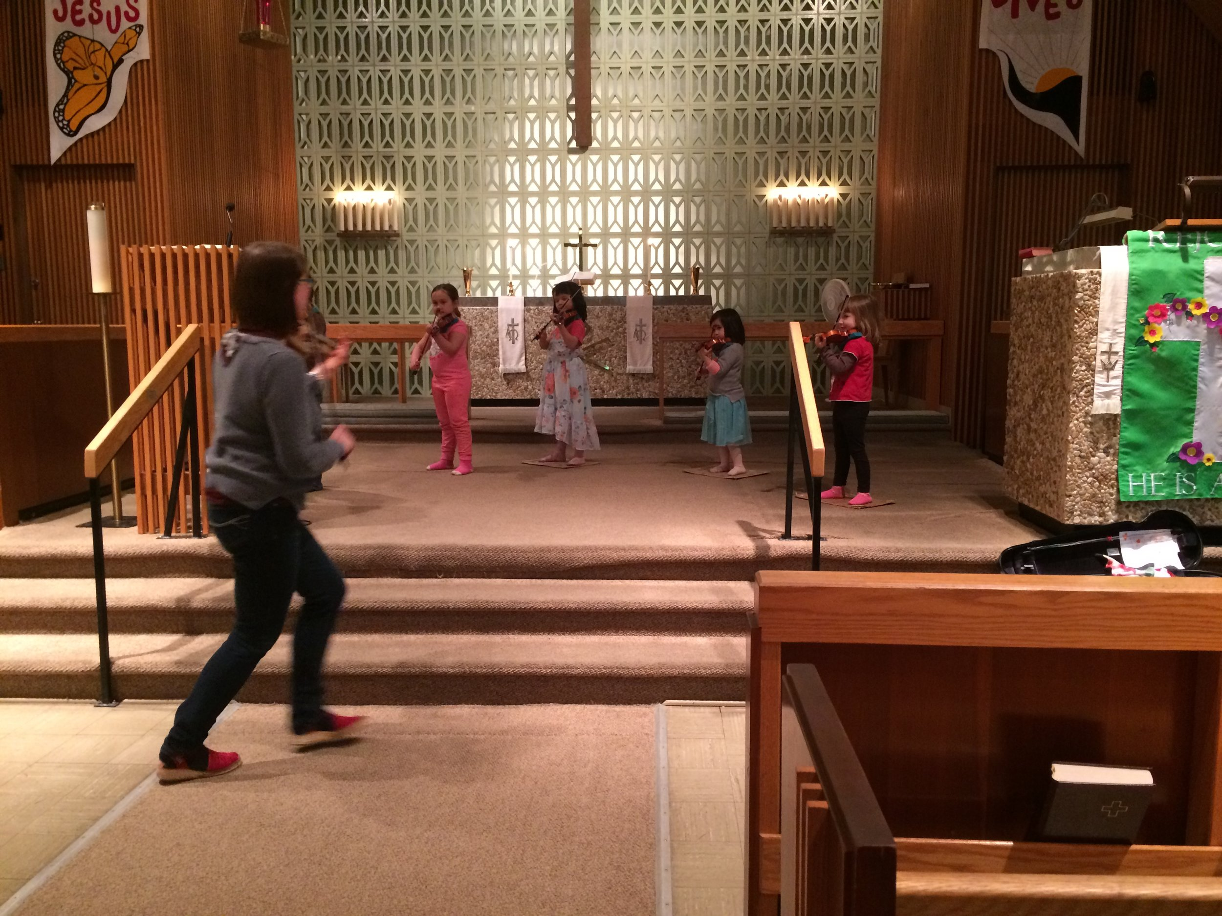 Laura teaching a Pre-Twinkle group class.