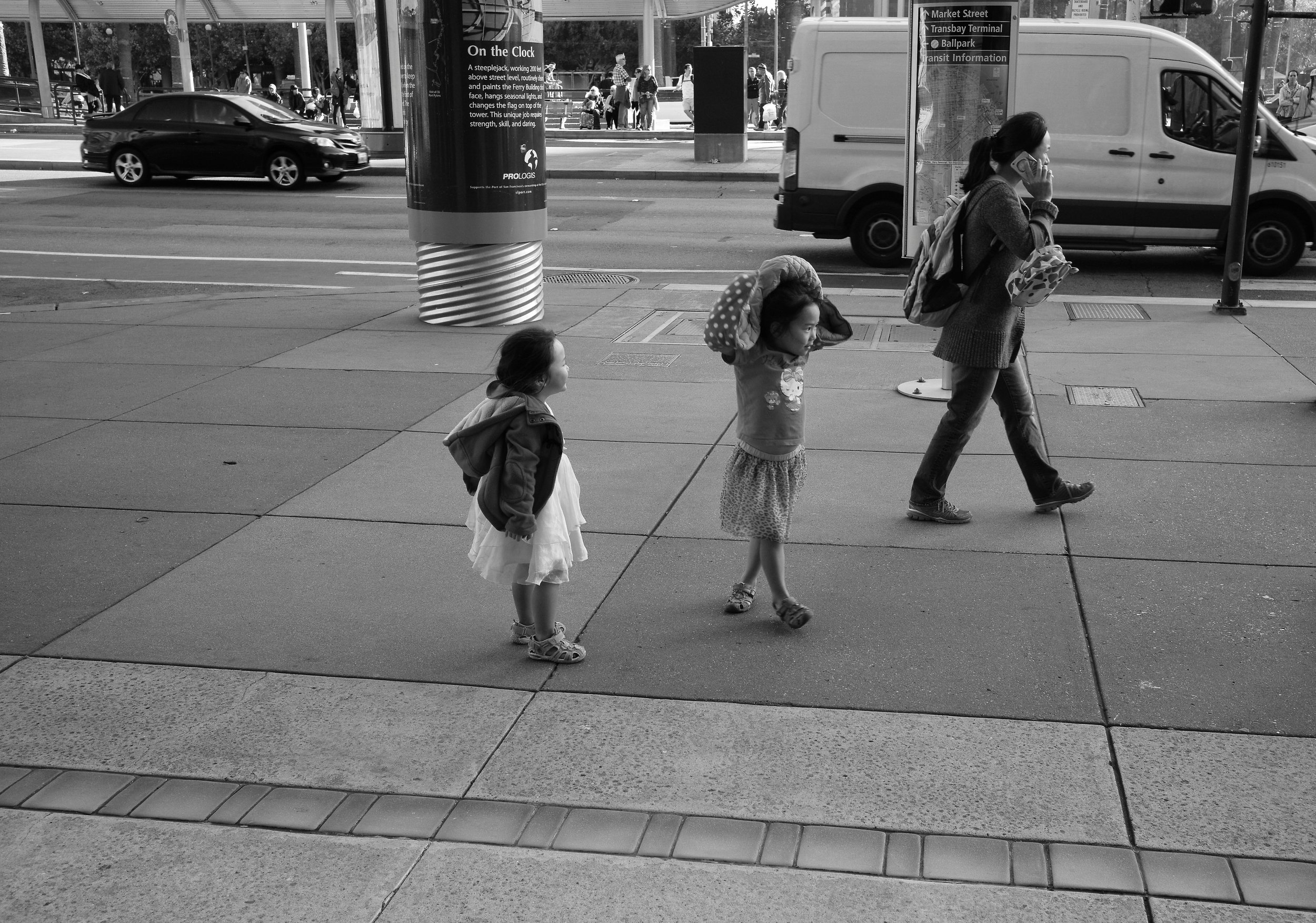 Mom and Kids (Embarcadero).jpg