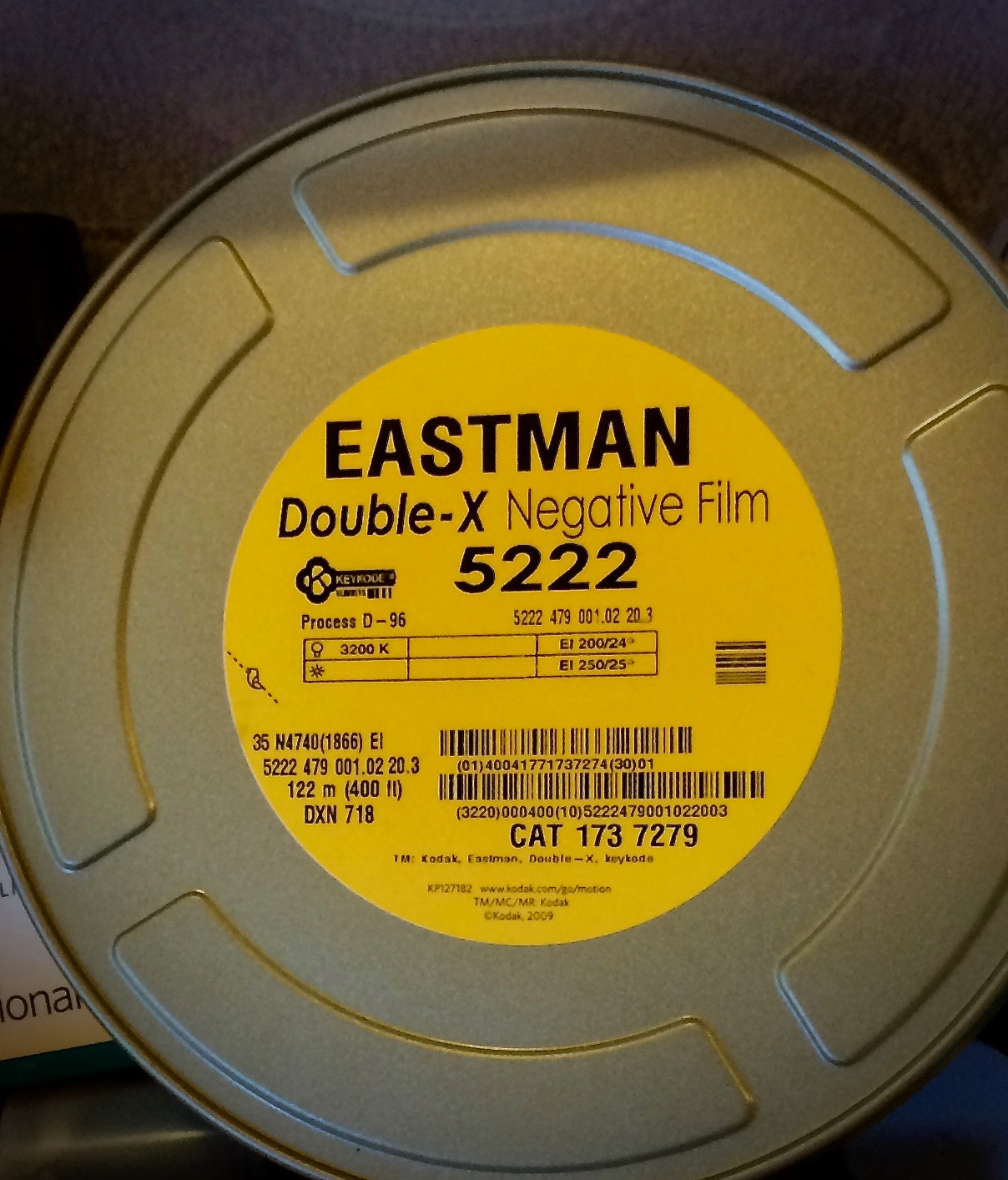 Because it is movie film, 5222 is sold by Kodak in 400 ft rolls. Various retailers load it into 35mm cassettes for individual sale.