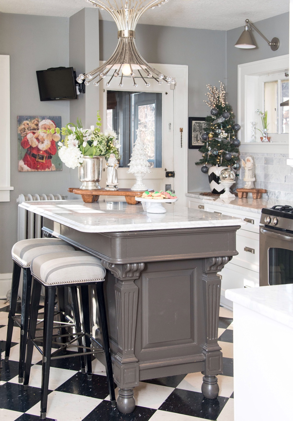 Small touches around the kitchen keep things cheery and functional while we make Christmas cookies.