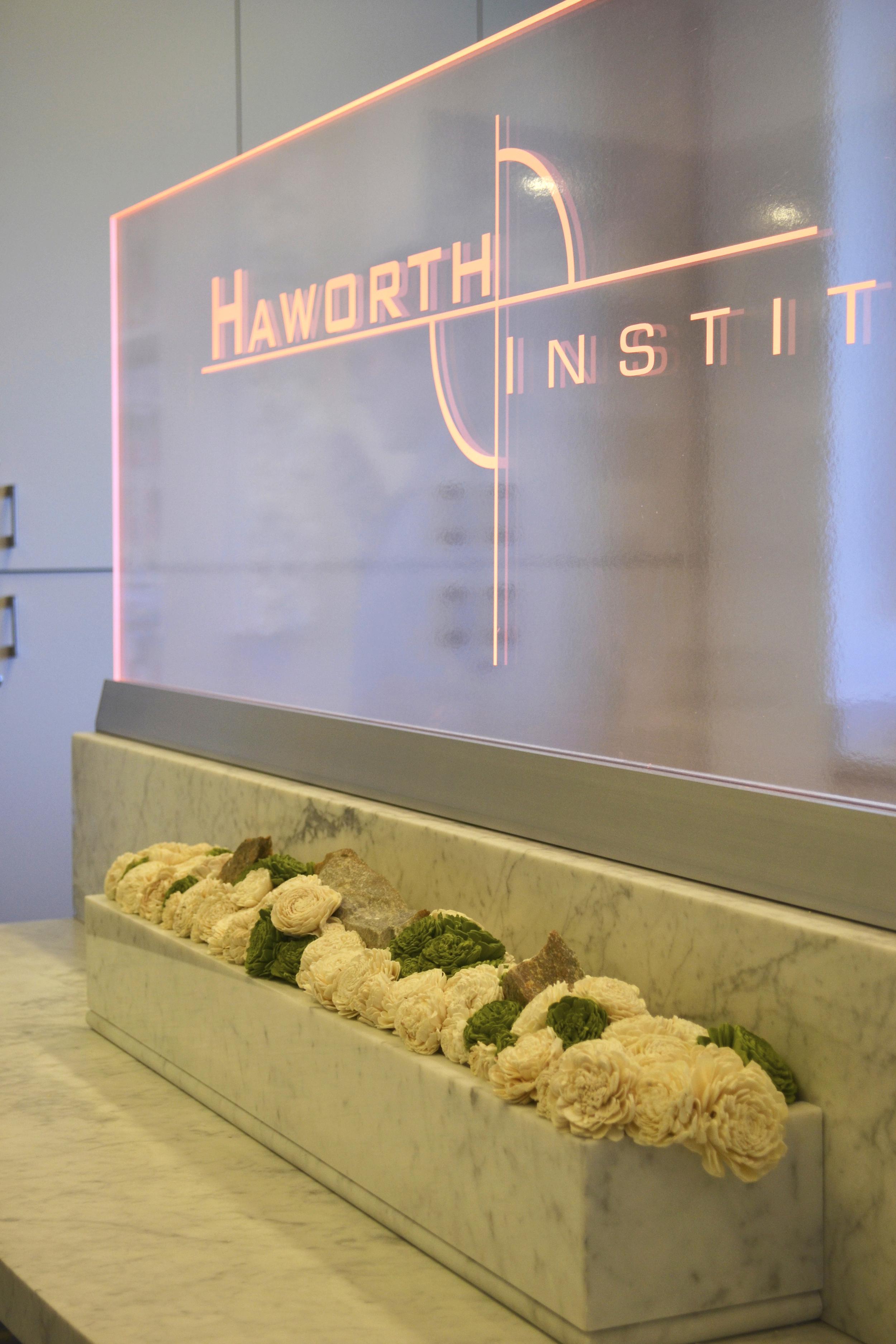 Com2-Dr.Haworth-marble-sideimage.jpg