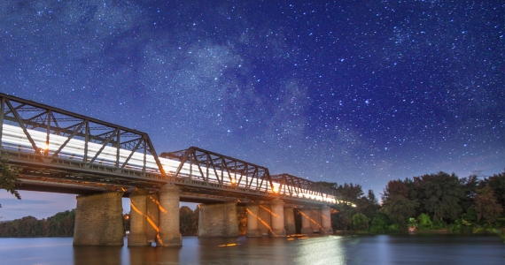The Night Train - Victoria Bridge Nepean River Rhys Pope Photography