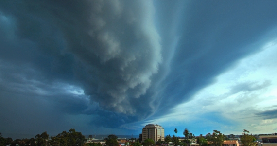 the storm descends - penrith supercell rhys pope photography