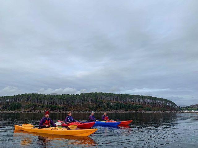 Beautiful evening kayaking with @impacttrails on Loch Shieldaig. #shieldaigoutdooradventures #shieldaigadventures #seakayaking #explorescotland #torridon #shieldaig #nc500adventure