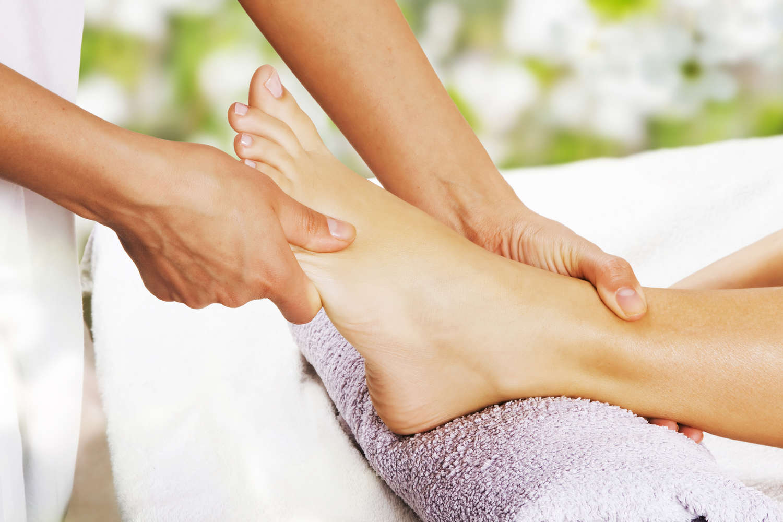 Fußreflexzonen-Massage  Beruhigen ... Ausgleichen ... Anregen ... Aktivieren ...