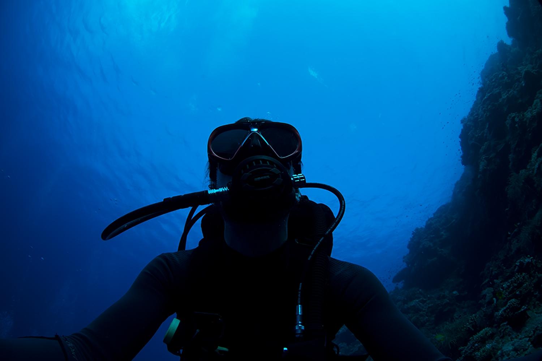 joe-bourne-underwater.jpg