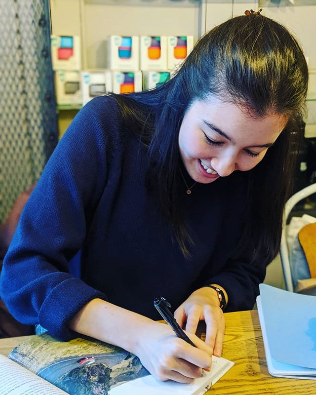 The wonderful author, Shawna Law signing our Pockets of Pretty book (which we are in btw). Thank you @exploringedinburgh for the opportunity and look forward to seeing you again soon! #minimack #pocketsofpretty #exploringedinburgh #supershawna