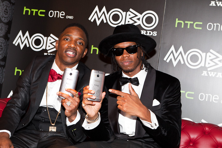 Krept-and-Konan-Limited-Edition-MOBO-HTC-One-M8-MOBOS2014-2832-LowRes.jpg