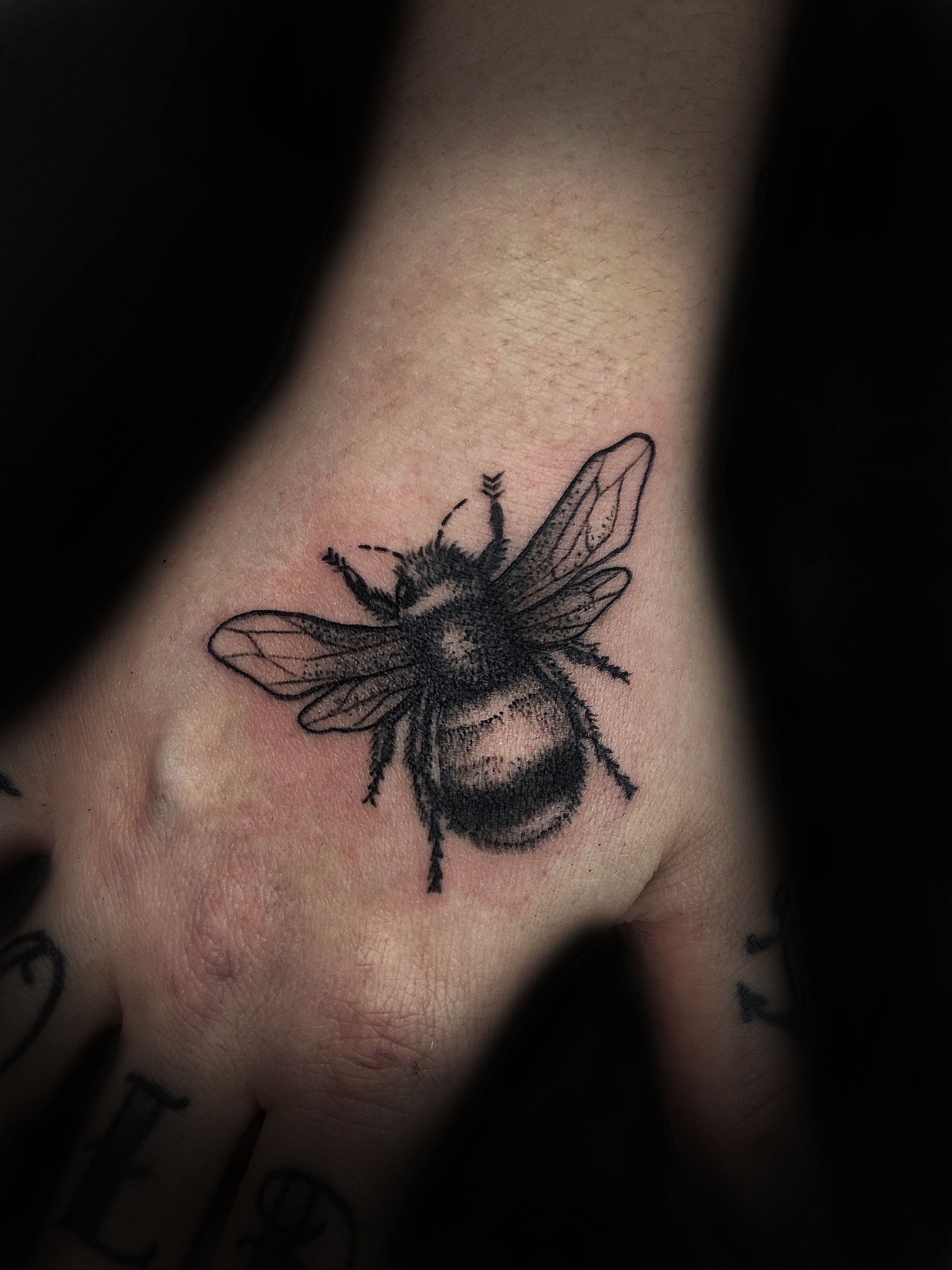 BeeHand2.jpg