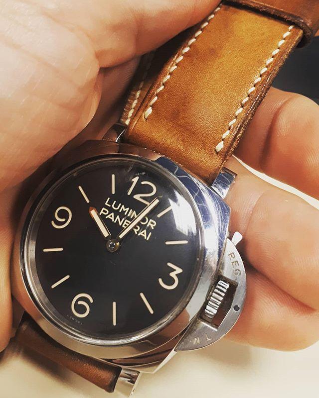 Panerai #pam372 on Vegtan leather strap by Attirail 😋 #attirail #attirailstraps #risti #ootd #frenchtouch #handmade #luxury #lifestyle #watchoftheday #watchaddict #custom #vintage #bespoke #officinepanerai #paneraicentral #paneraistraps #watchfam #panerai #luminor #luminorpanerai #luminormarina #wristshot #paneraipics #swissmade #horlogerie #horology #watchporn #paneristi #madeinfrance