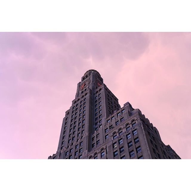 Downtown Brooklyn . . . . . #brooklyn #downtownbrooklyn #ifyouleaveinstagram #oftheafternoon #architecturephotography #selektormagazine #justifiedmagazine #yetmagazine #archilovers #ourmag #exploration #rentalmag #paperjournalmag #subjectivelyobjective #paradisexmagazine #hurtlamb #gominimalmag #minimalzine #weltraumzine #thespacesilike #urbanscape