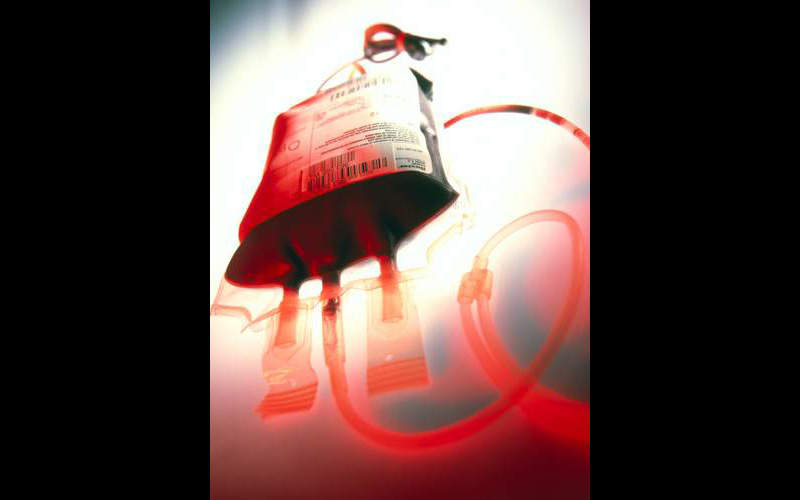 Blood donation bag - SA5399 ©Tek Image/Science Source