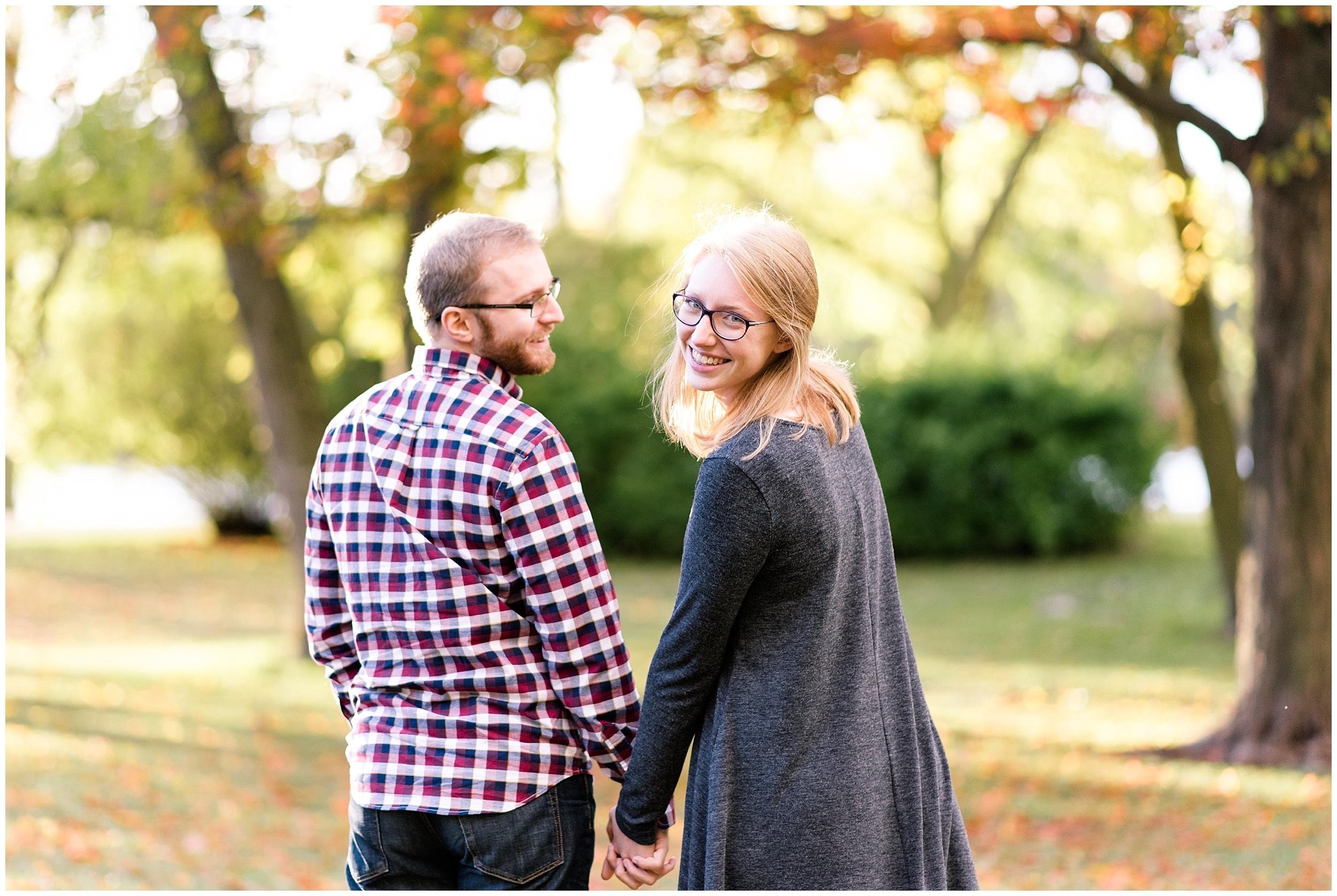 Weddings_by_Raisa_Photography_Grand_Rapids_October_Fall_Engagement_Milwaukee_Wisconsin_Photographer_0011.jpg