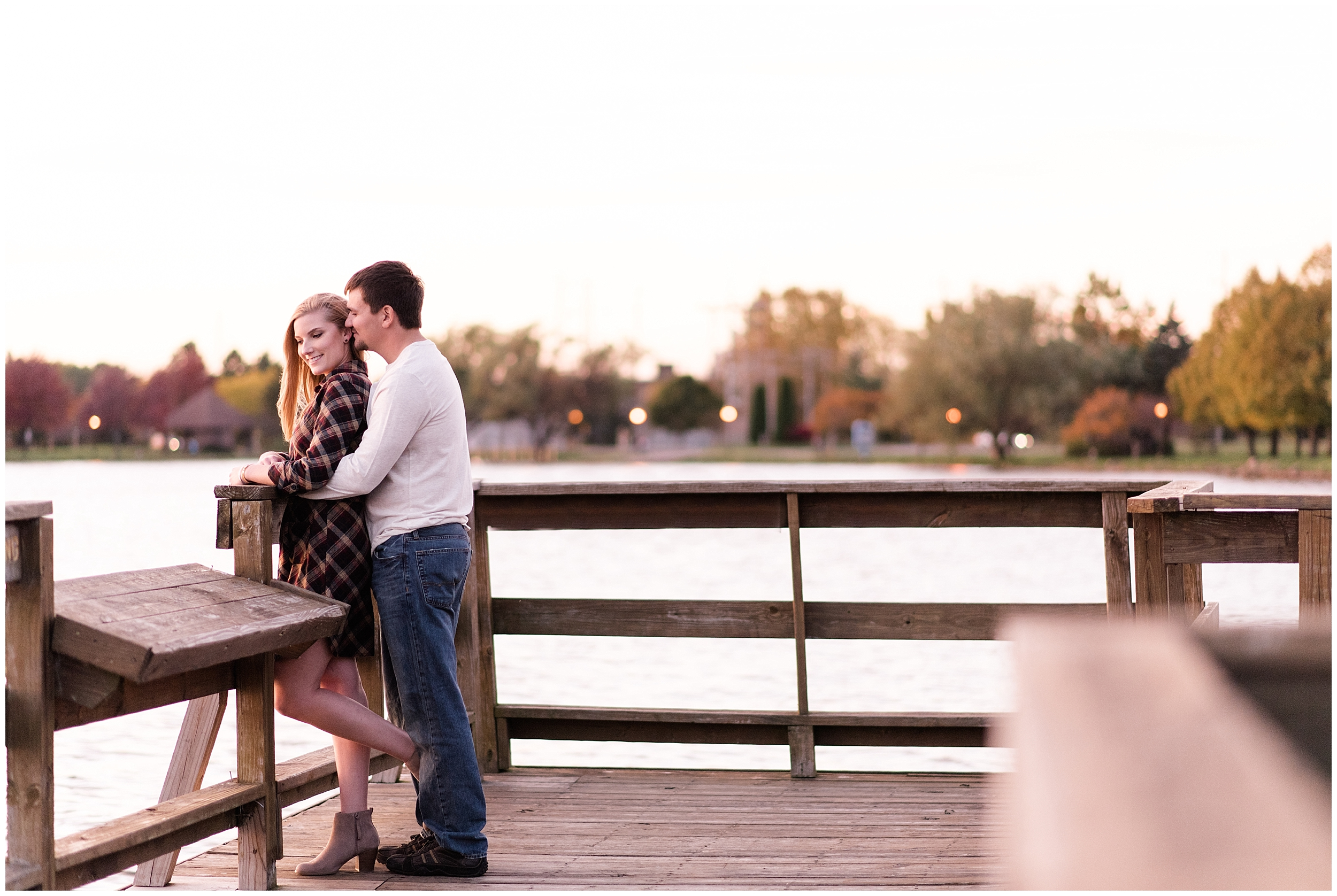 Weddings_by_Raisa_Photography_Cadillac_Michigan_October_Fall_Engagement_Milwaukee_Wisconsin_Photographer_0026.jpg