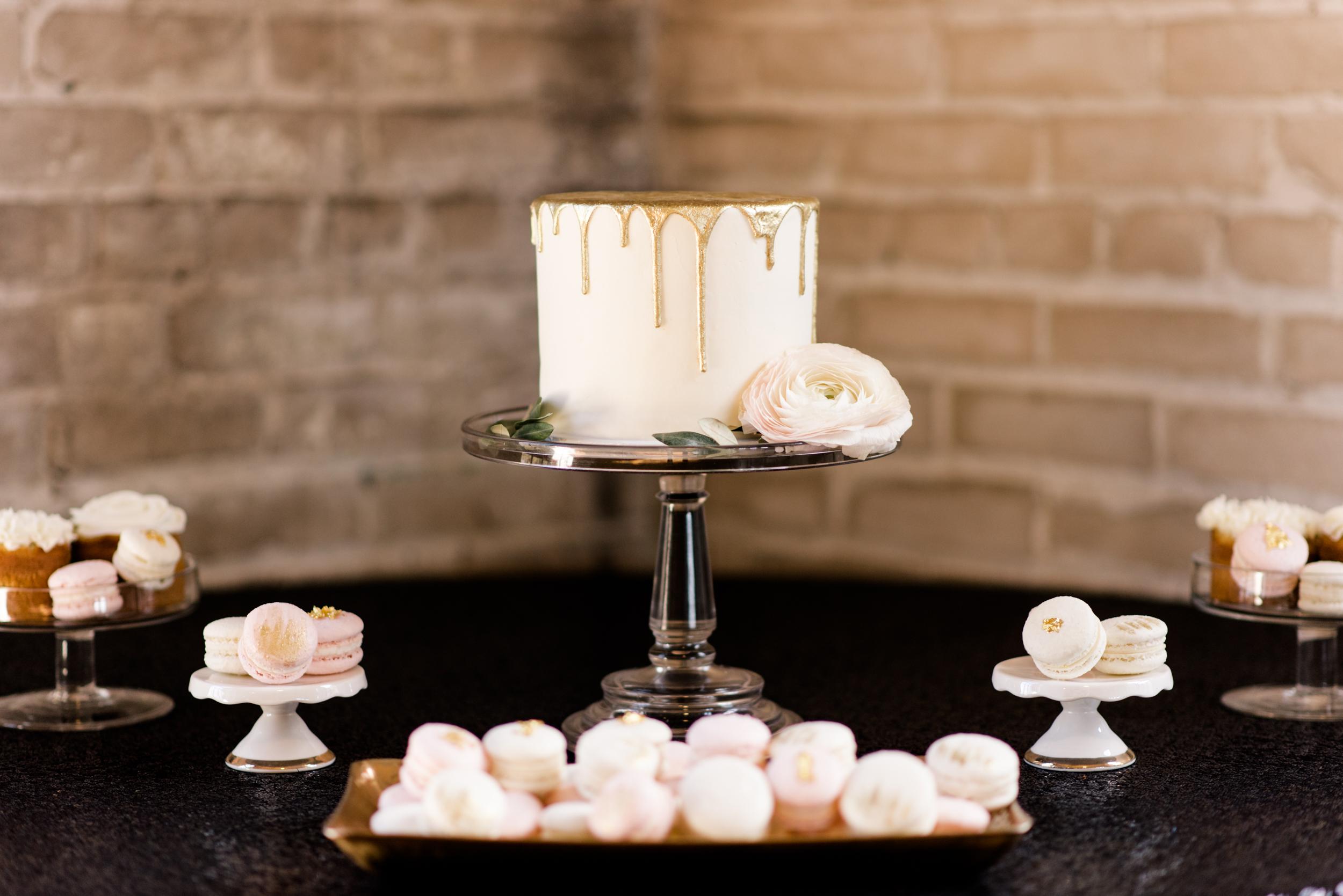 Chicago_Milwaukee_Minneapolis_Wisconsin_Michigan_Wedding_Photographer_berry_blush_romantic_palette-11.jpg