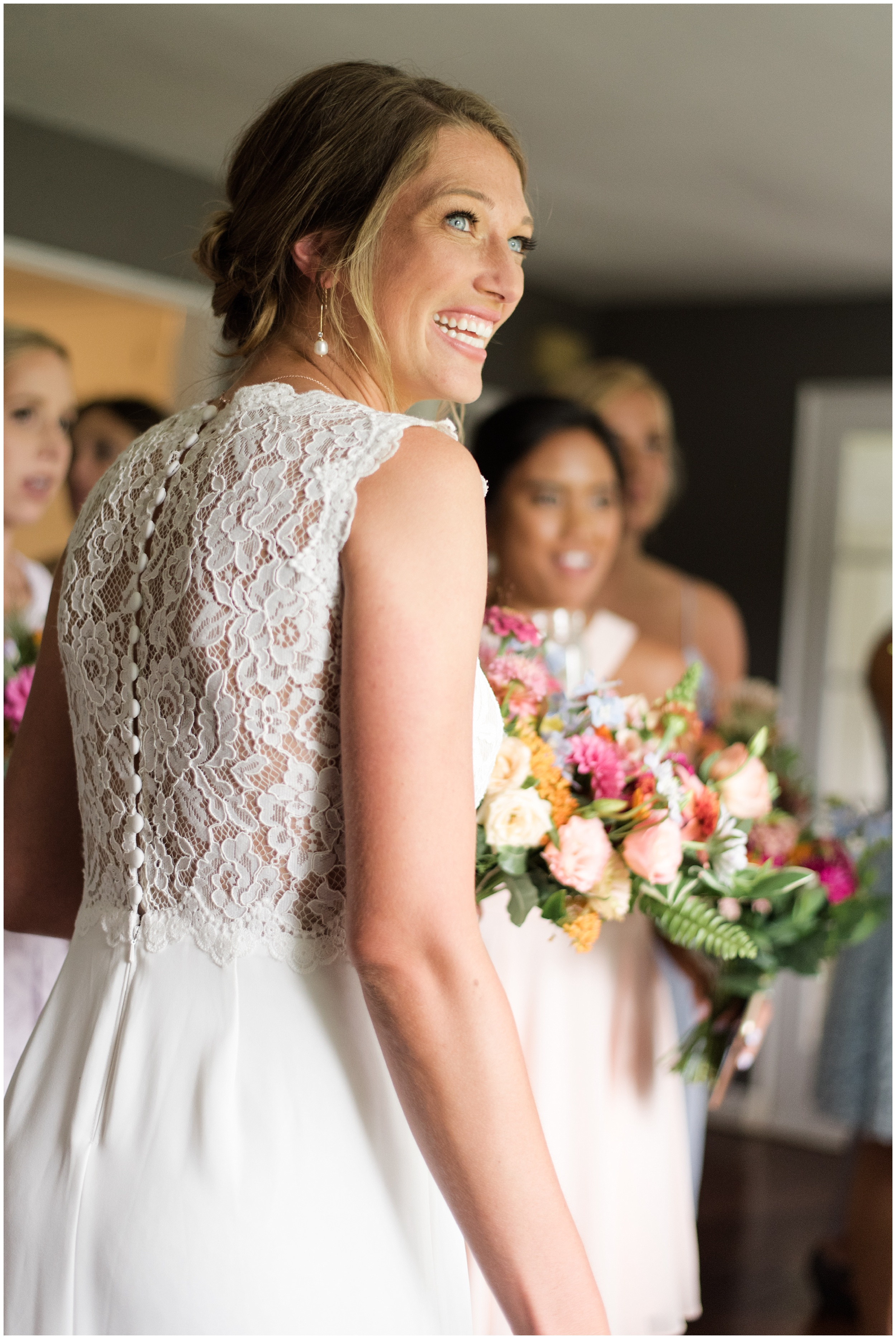 Whimsical-Ethereal-July-Kalamazoo-Wedding-Bright-Airy-Documentary-Milwaukee-Photographer_0027.jpg