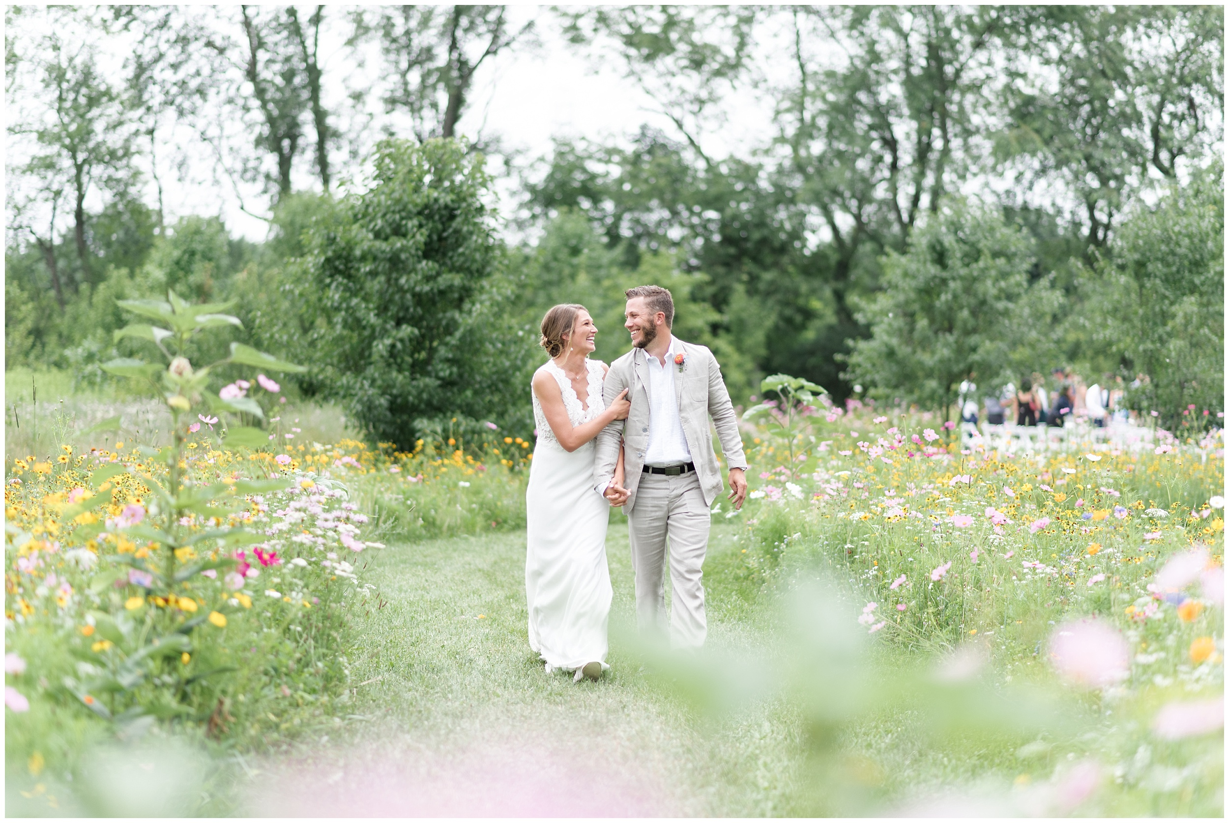 Whimsical-Ethereal-July-Kalamazoo-Wedding-Bright-Airy-Documentary-Milwaukee-Photographer_0045.jpg