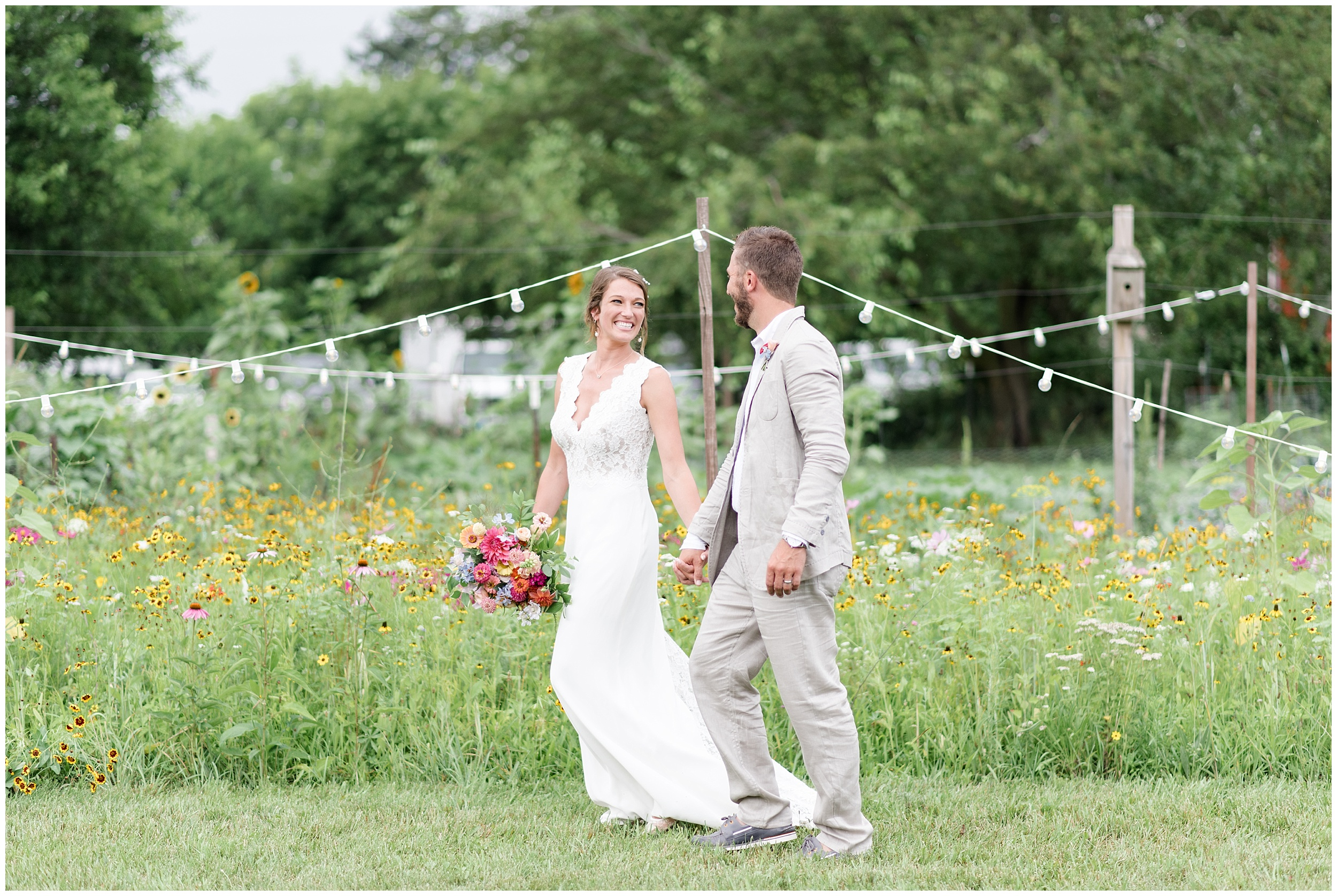 Whimsical-Ethereal-July-Kalamazoo-Wedding-Bright-Airy-Documentary-Milwaukee-Photographer_0079.jpg