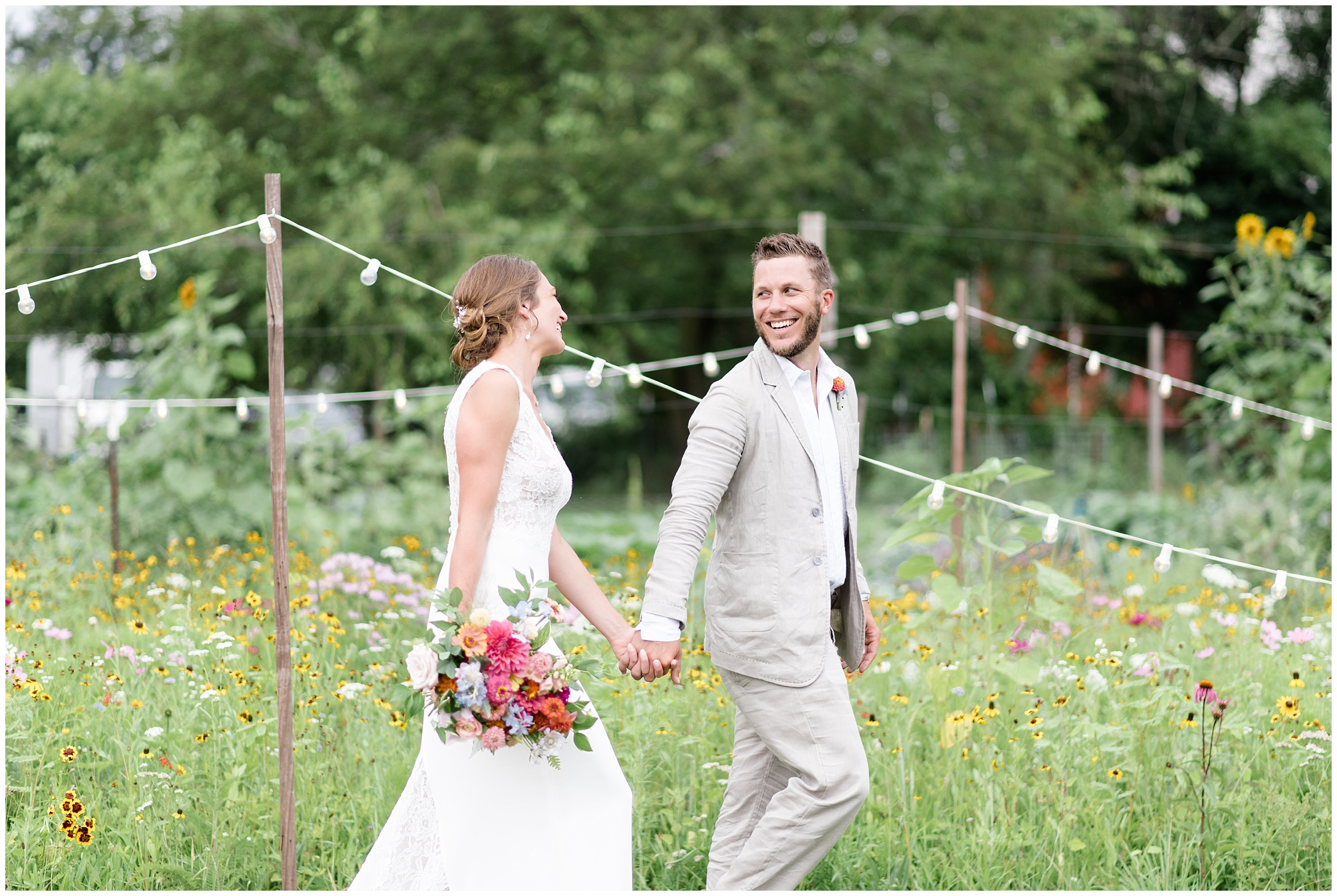 Whimsical-Ethereal-July-Kalamazoo-Wedding-Bright-Airy-Documentary-Milwaukee-Photographer_0080.jpg