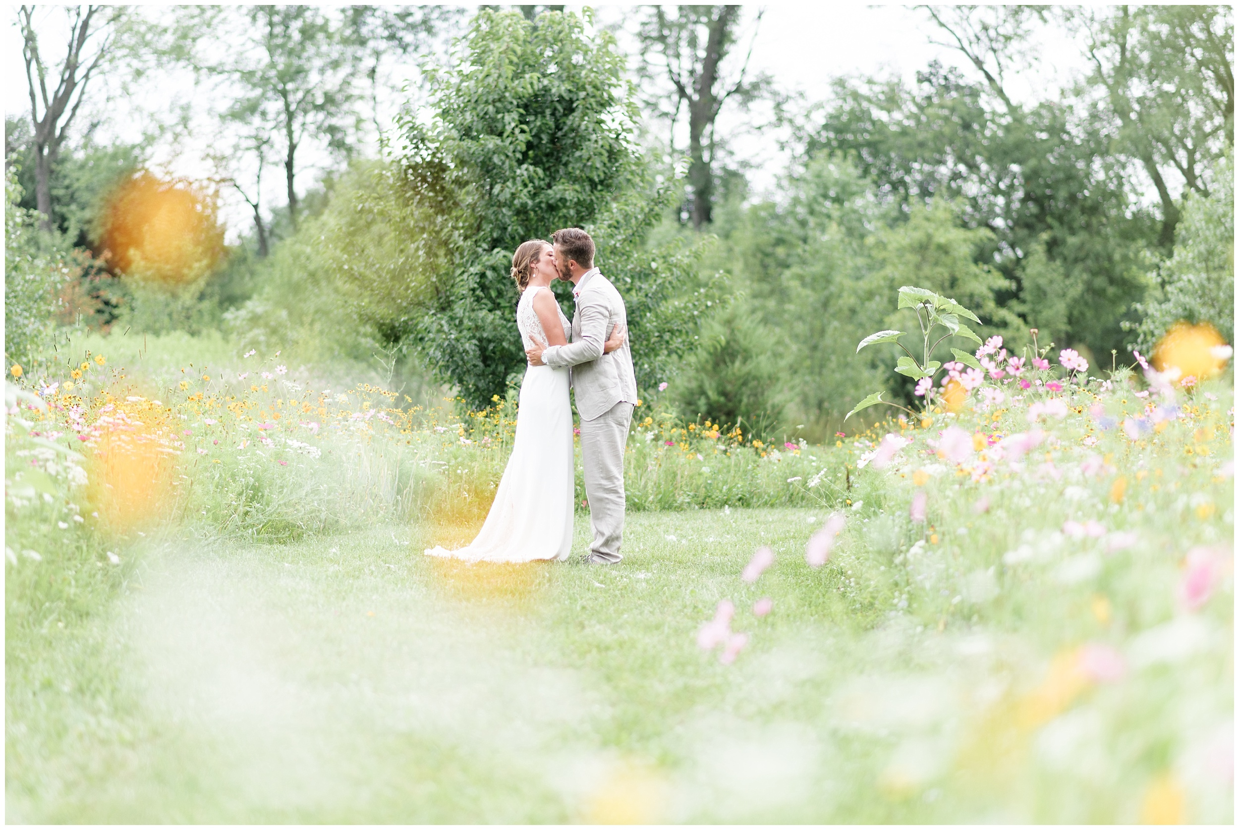 Whimsical-Ethereal-July-Kalamazoo-Wedding-Bright-Airy-Documentary-Milwaukee-Photographer_0067.jpg