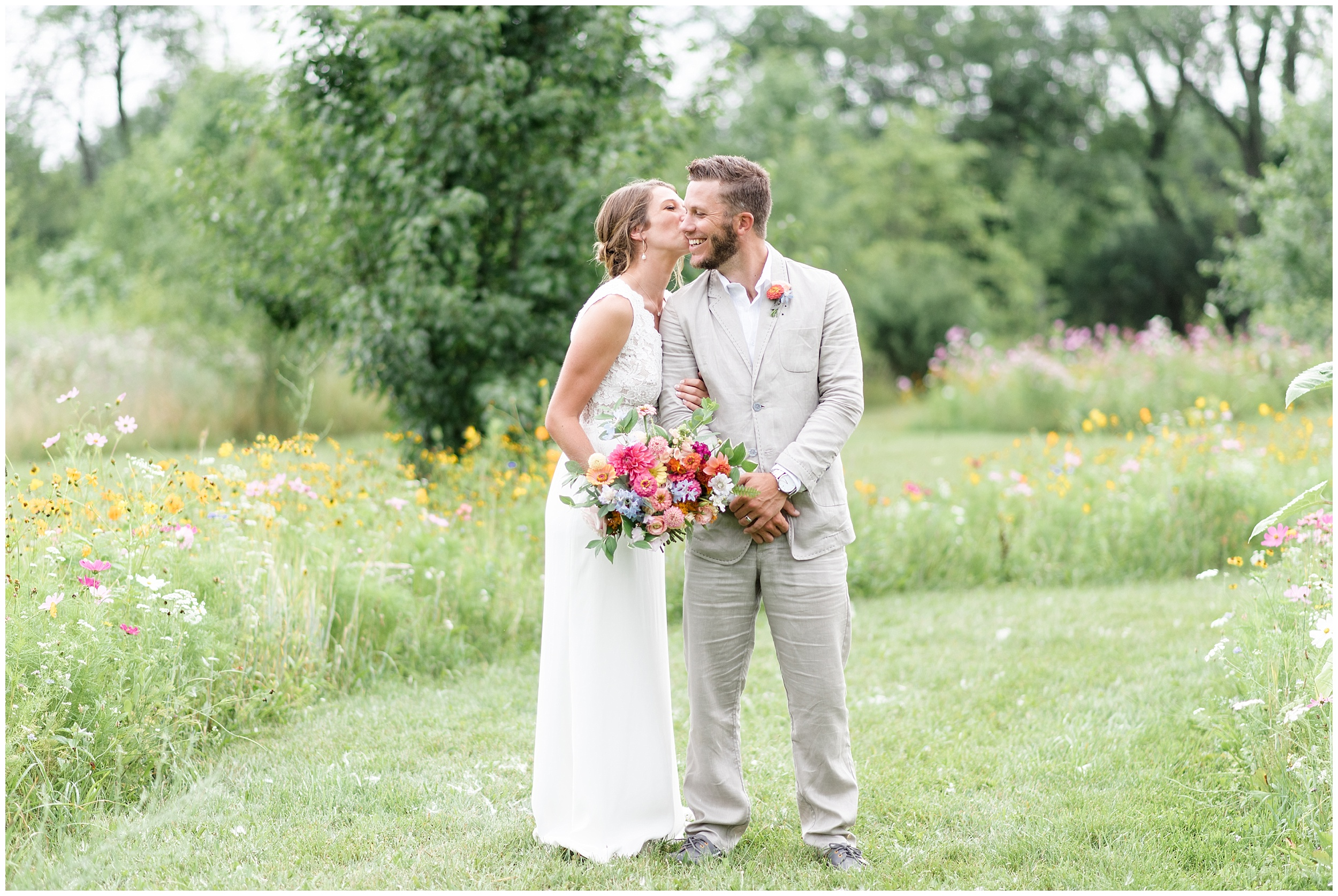 Whimsical-Ethereal-July-Kalamazoo-Wedding-Bright-Airy-Documentary-Milwaukee-Photographer_0070.jpg