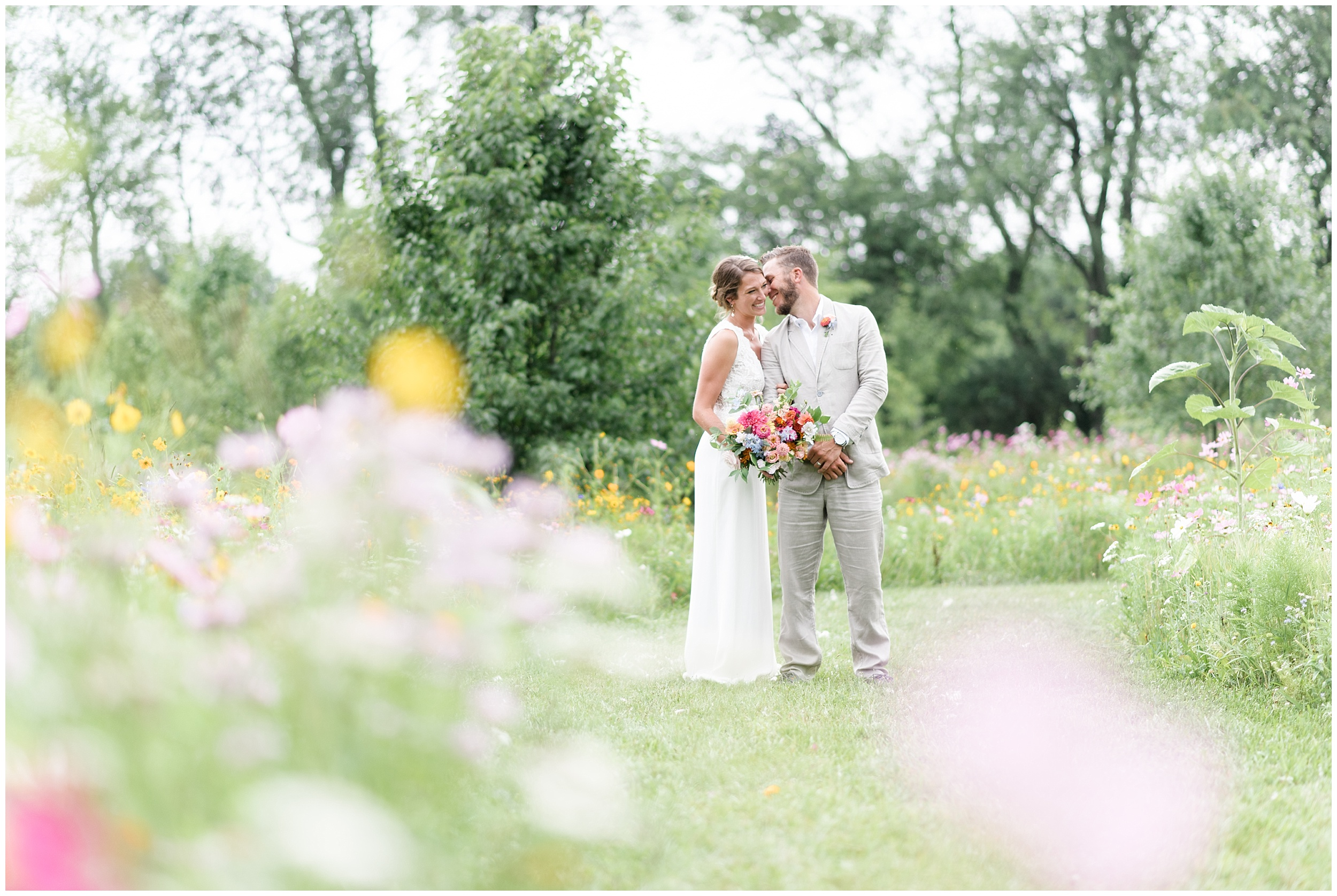 Whimsical-Ethereal-July-Kalamazoo-Wedding-Bright-Airy-Documentary-Milwaukee-Photographer_0071.jpg