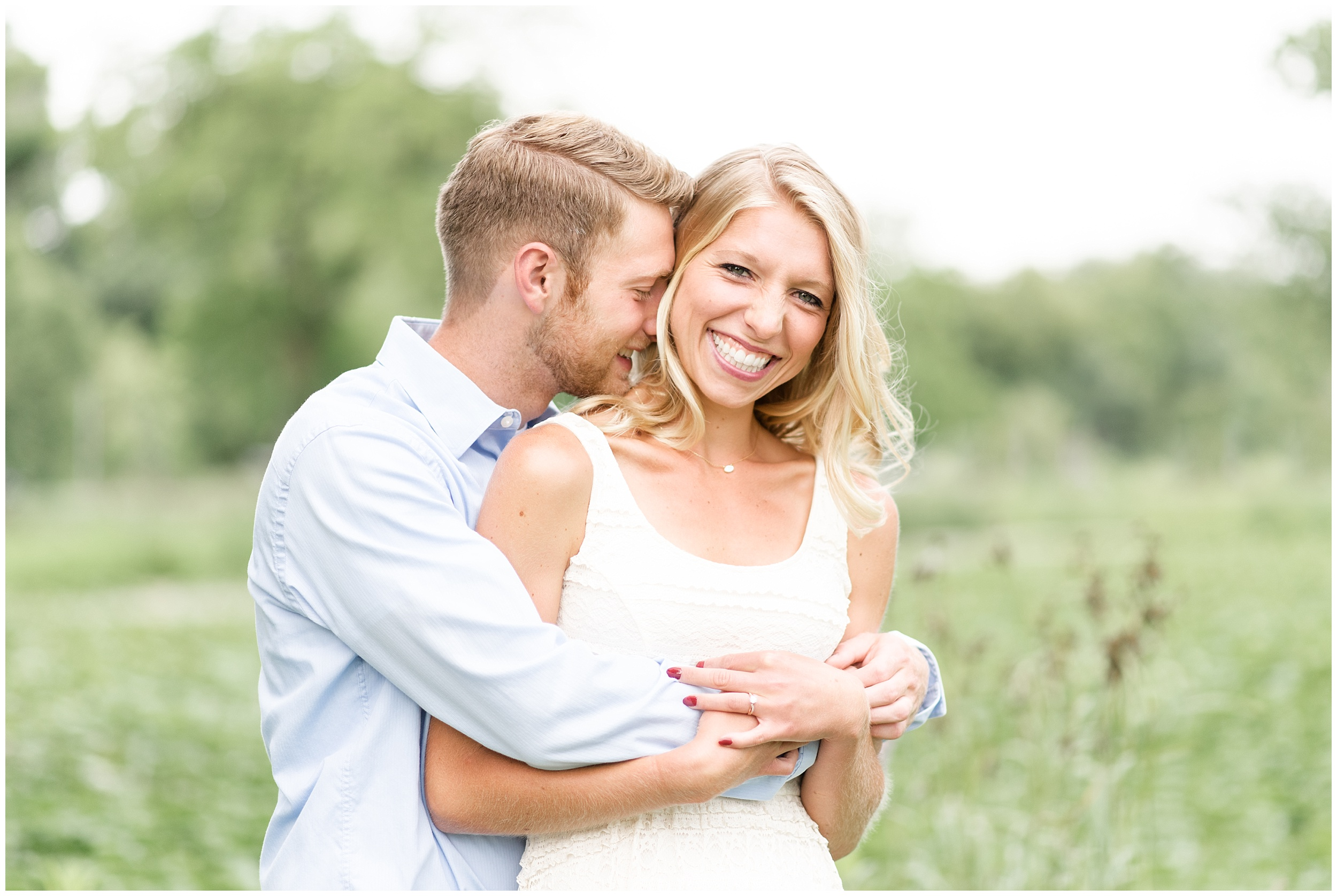 tenney-park-engagement-session-madison-wisconsin-bright-light-airy-wedding-photographer_0002.jpg