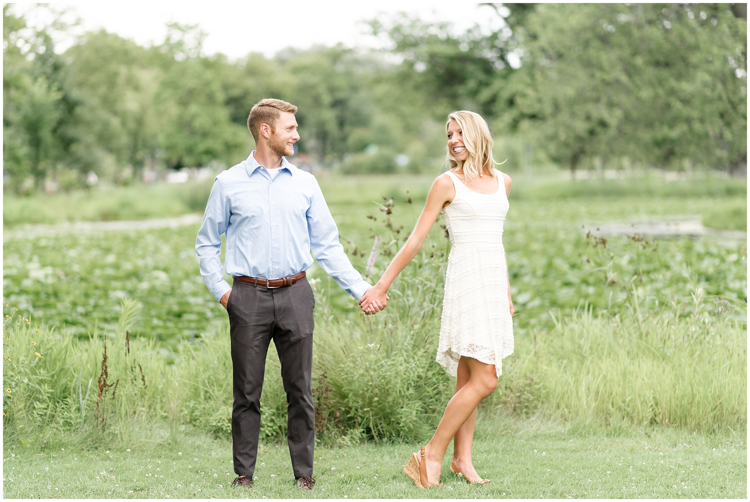 tenney-park-engagement-session-madison-wisconsin-bright-light-airy-wedding-photographer_0004.jpg