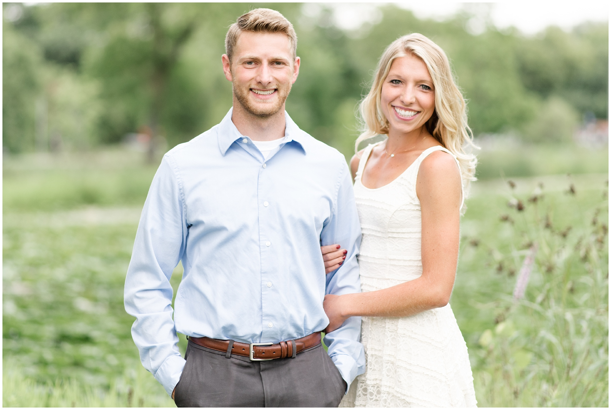 tenney-park-engagement-session-madison-wisconsin-bright-light-airy-wedding-photographer_0005.jpg