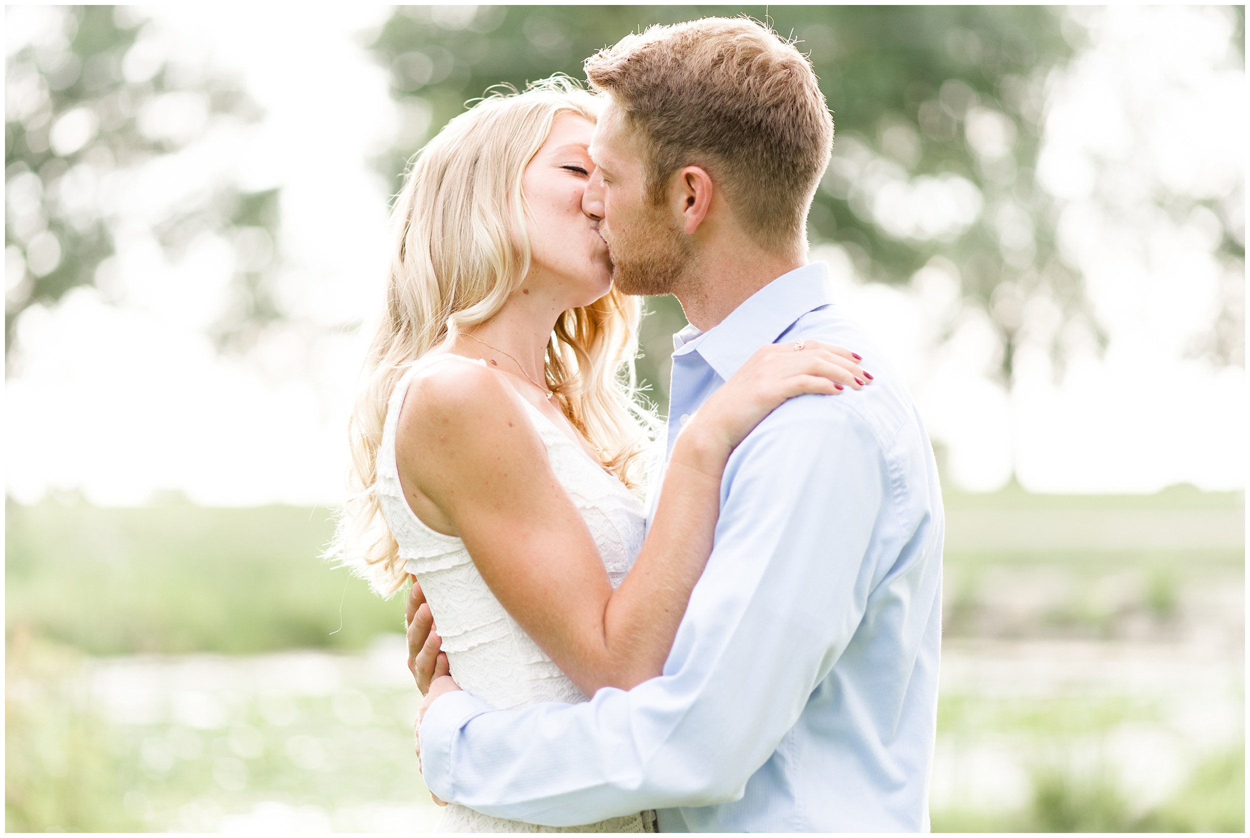 tenney-park-engagement-session-madison-wisconsin-bright-light-airy-wedding-photographer_0017.jpg