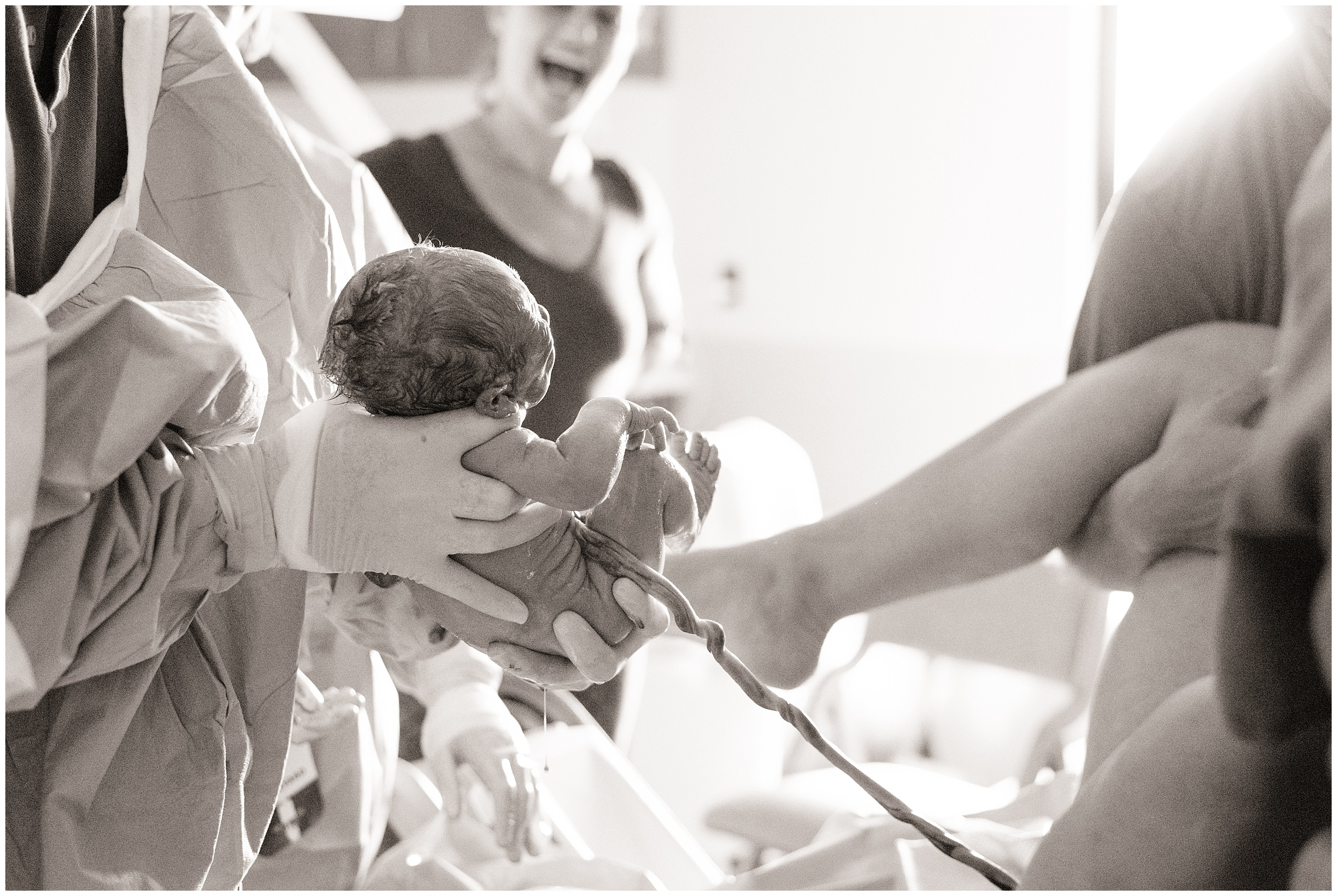 columbia-st-marys-vbac-milwaukee-birth-photographer_0027.jpg