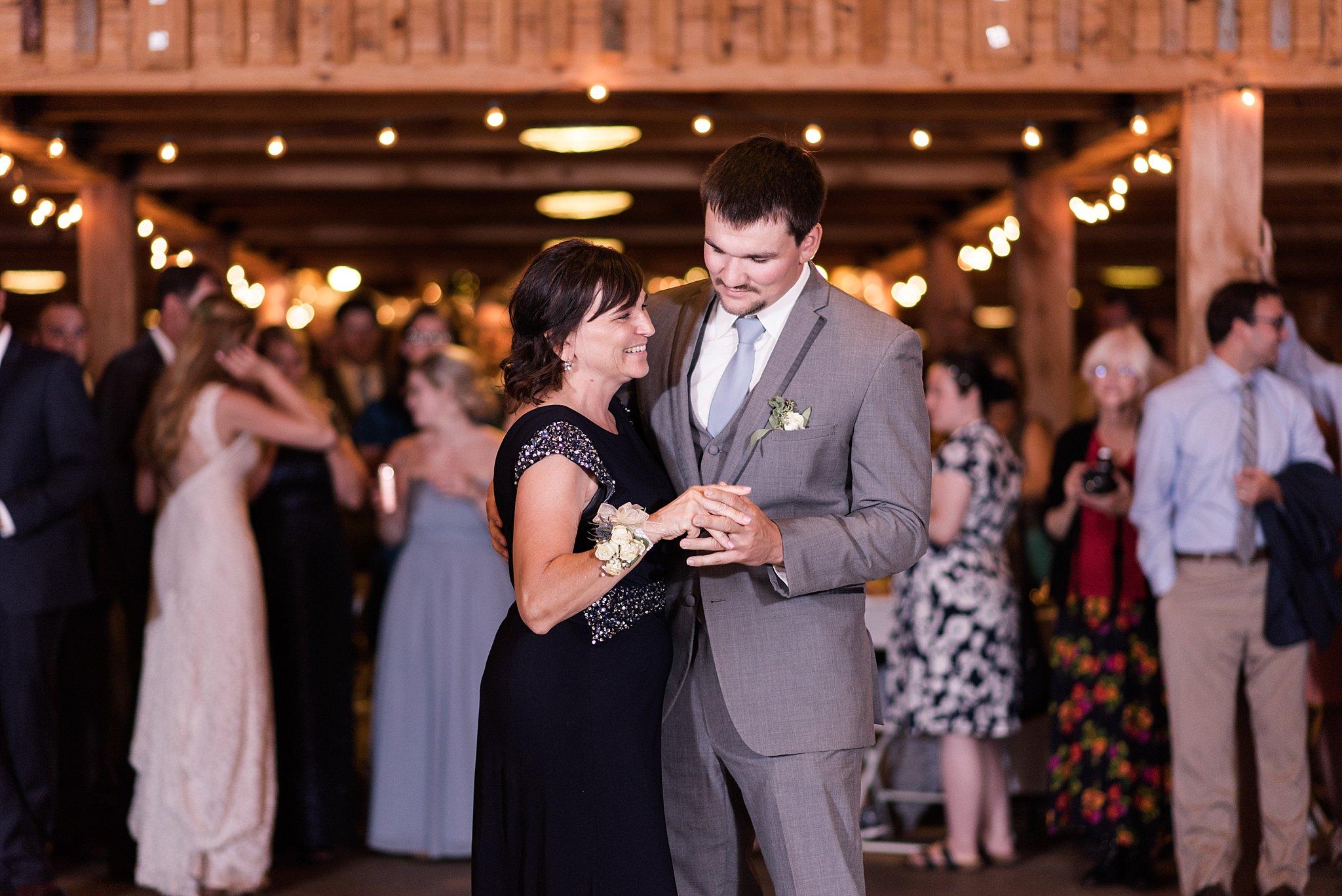 Cadillac-Michigan-wedding-caberfae-peaks-milwaukee-photographer_0099.jpg