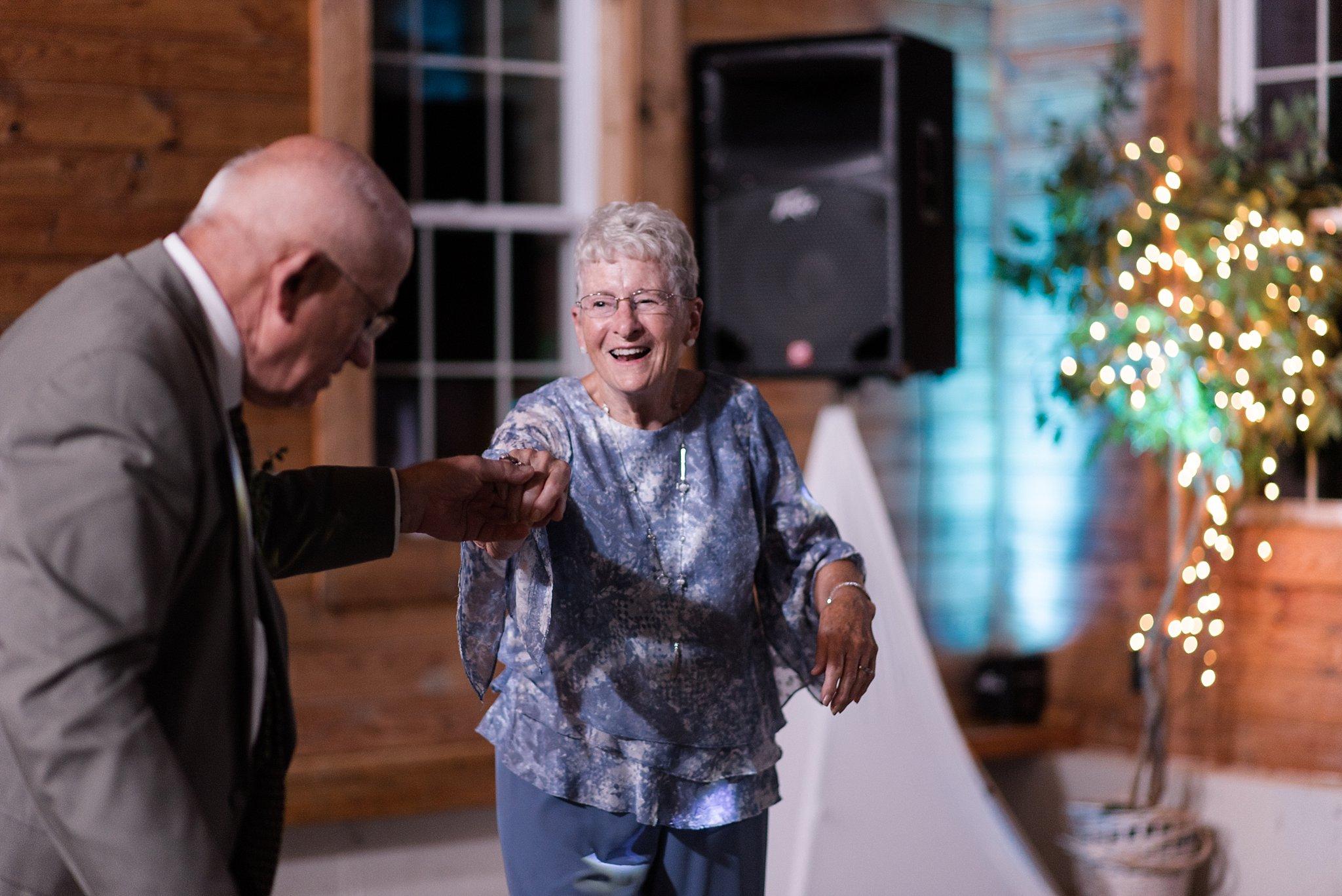 Cadillac-Michigan-wedding-caberfae-peaks-milwaukee-photographer_0108.jpg