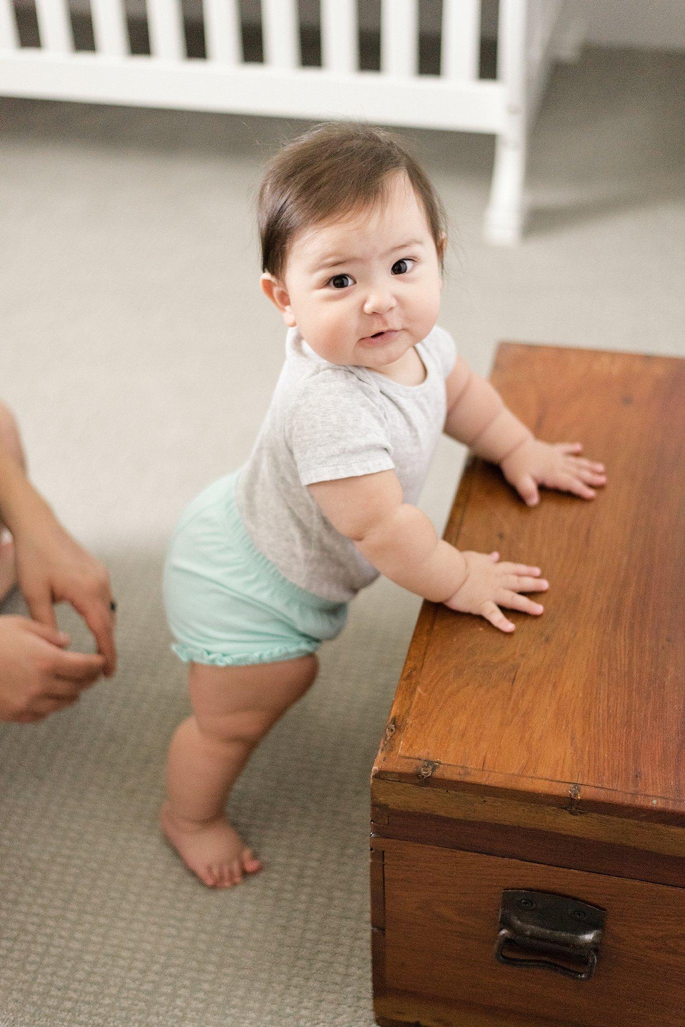 8-month-old-milwaukee-mom-photographer_0028.jpg