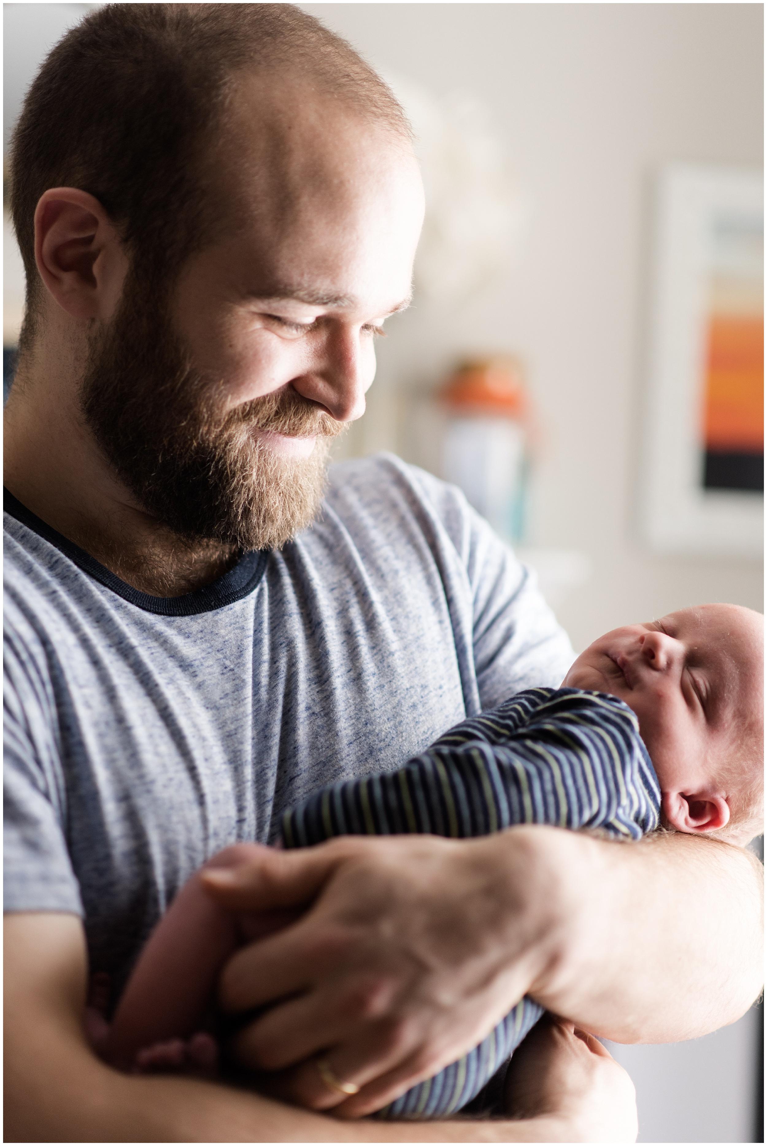 Milwaukee_Waukesha_Lifestyle_Newborn_Photography_birth_photographer_0018.jpg
