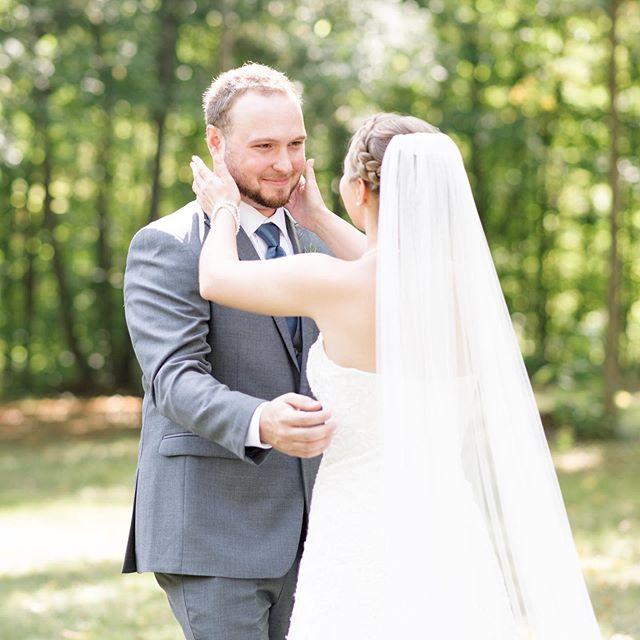 The look on this groom's face when he saw his beautiful bride for the first time on their wedding day melts my heart! ❤️ Emily and Chance's big day finished up my wedding season for 2019, you can check out the rest of their day on my blog! #linkinbio⠀ ⠀ ⠀ ⠀ #hayesfever #hayesdandconfused #firstlook #weddingfirstlook #firstlookwedding #groom #groomreaction #michiganwedding #michiganweddingphotographer #michiganbride #stylemepretty #greenweddingshoes #ruffledblog #weddingsbyraisa