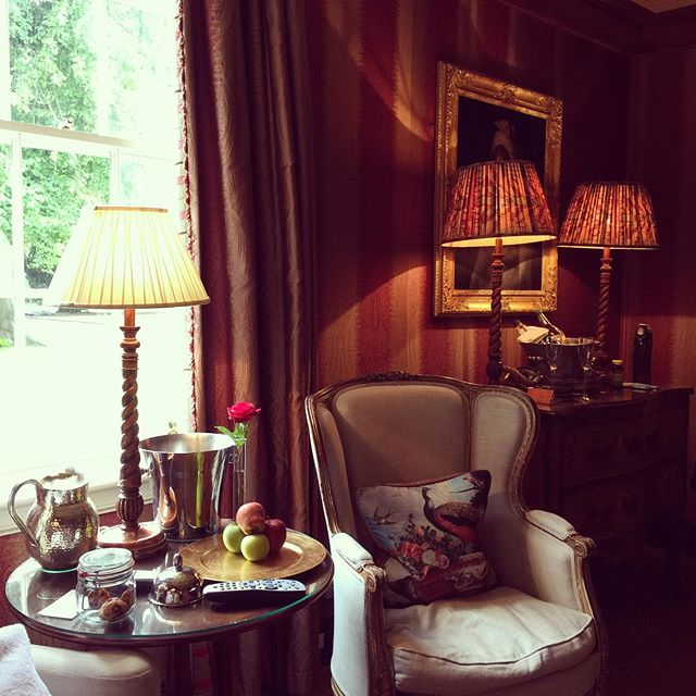 Waking to gentle rain, views of ancient chestnut trees and a warming breakfast of hot-smoked salmon and scrambled eggs. Not to mention copious cups of Earl Grey tea. This week-end we're staying @prestonfieldhouseedinburgh - a lush oasis of calm, decadence and sumptuous splendours in the beautiful city of Edinburgh. And the staff are some of the friendliest and loveliest people we've ever met. Nothing is too much for them. This truly is a show-stopper of a place. Next stop - a guided tour of Edinburgh Castle and hunting for a brolly to huddle under!