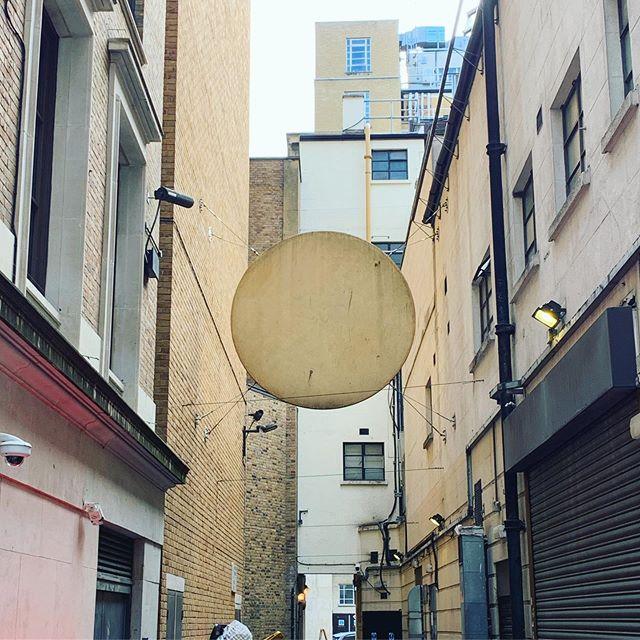 Shapes in London [2of3]  #streetart #installation #installationart #urban #urbanart #urbanscapes #hidden #hiddenart #cityart #citylife #urbandecay #urbanjungle #retaildesign #materialism #materialdesign #lookingup